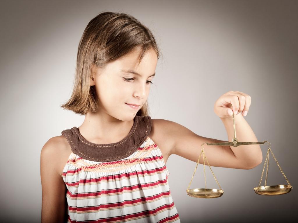 С кем остается ребенок при разводе